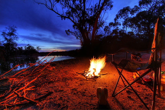 0582_campfire_at_kings_billabong_hdr-1436546456
