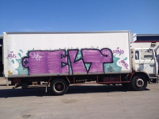 Camion_a_l_endroit-1437299801