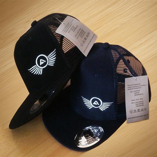 Cap-1437507892