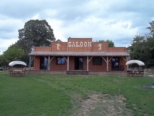 Saloon-1438803063