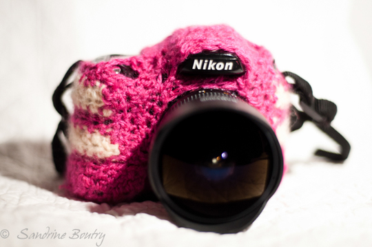 Yarnbombing_camera_by_sandrine_boutry-1442664919