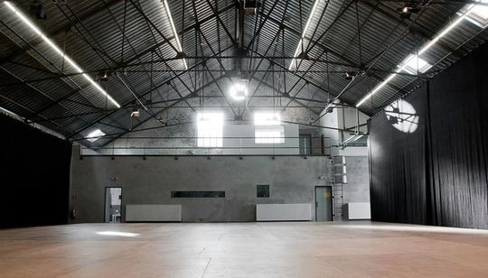 Location-salles-creations-artistiques-carthago-delenda_203819-1443994758