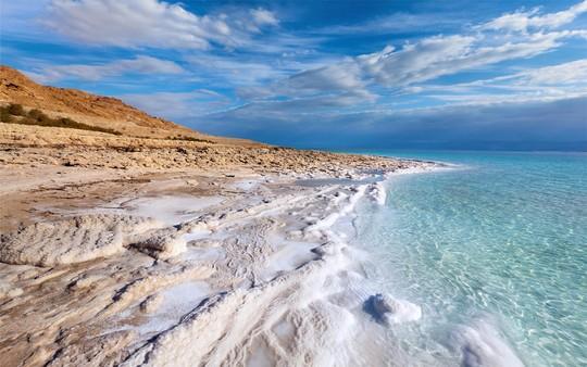 Dead-sea-3-1445186390