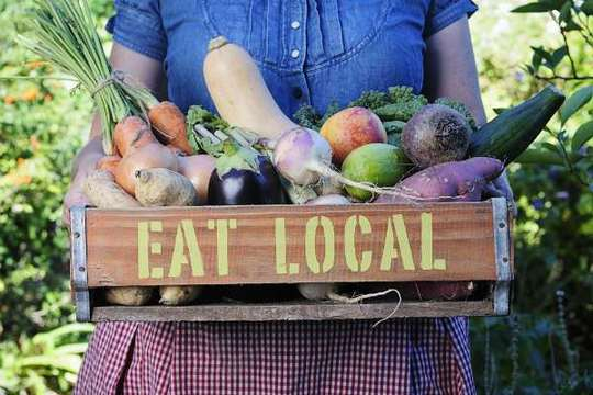 Eat-local-environmentally-friendly-eating-1446847114