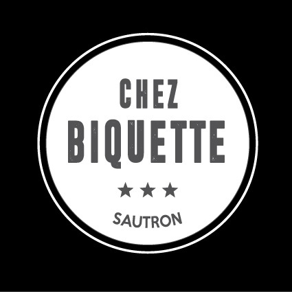 Chezbiquette-blanc-fondnoir-1447426487