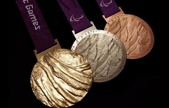 648x415_trois-medailles-jeux-paralympiques-londres-2012-1448318617