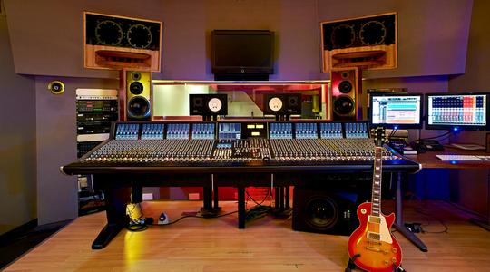 Studio_1-1448366212