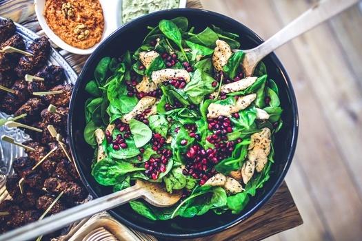 Food-salad-healthy-lunch-medium-1450782071