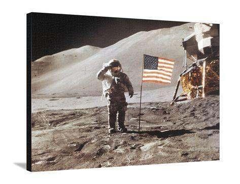 Apollo-15-moonwalk-1971_a-g-9073968-4986203-1452705446