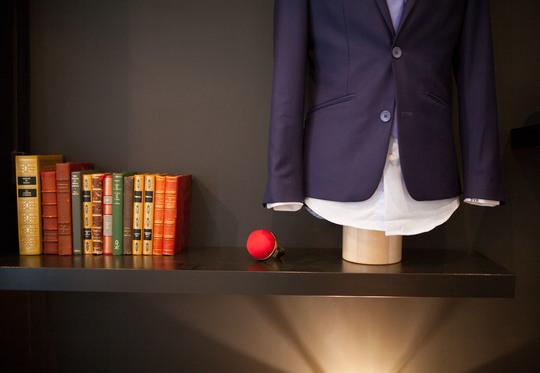 Tablette_showroom_avec_mannequin_couleur-1454192396