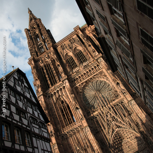Strasbourg-cathedrale-facade-carre-3-1454362469