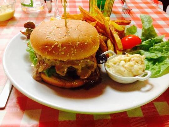 Hamburger-maison-avec-1455724007