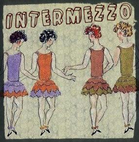 Intermezzo_kisskiss1-1457652294