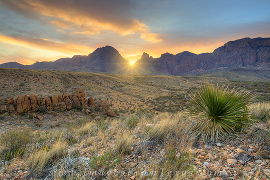Sunrise-at-the-window-in-big-bend-national-park-2-1458491567