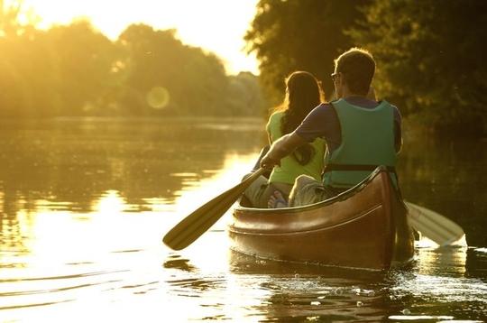 Canoe-sur-la-loire-en-couple-1462190025