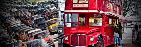London_buses_mini_meeting-1462655020