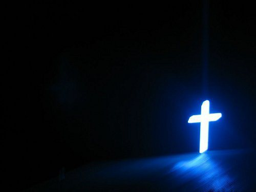Croix-lumineuse-dans-la-nuit-parousie-over-blog-fr-1463584730
