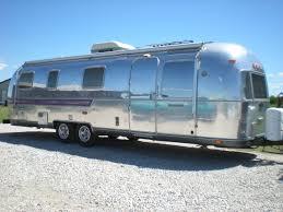 Caravaneairstream-vehicule-1464187498