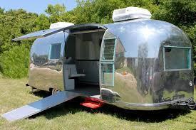 Caravaneairstream-caravaneouverte-1464199643