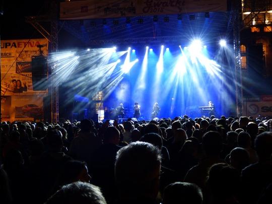 Concert-1311334_1920-1466441386