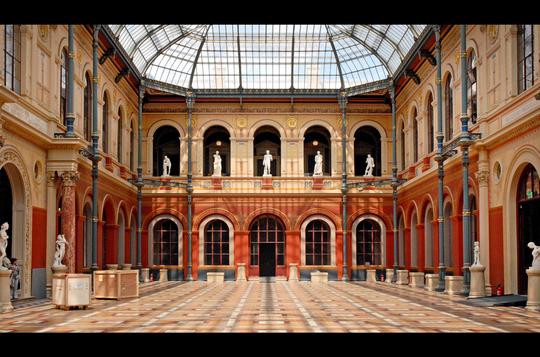 La_cour_du_palais_des_e_tudes_de_l_e_cole_des_beaux-arts-1467982795