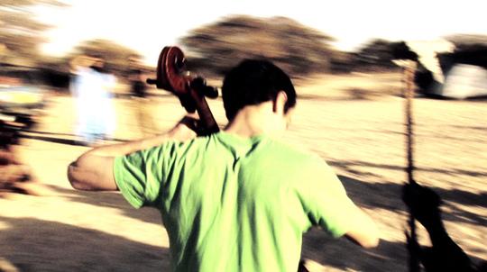 Gaspar_claus_musique_mecanique_flux_film_migration_refugie_europe_forteresse-1468520831