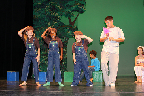 Children-theater-1469739352