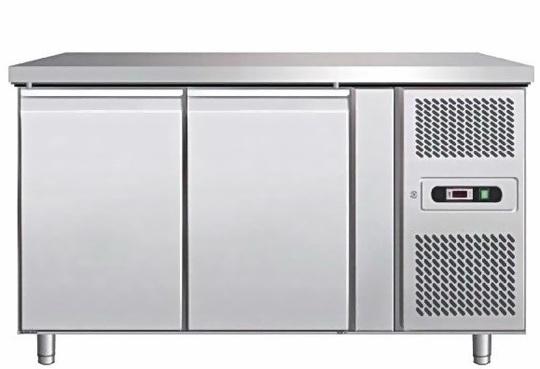Desserte-700-refrigeree-2-portes-1360x700-gn1-1-1477164383