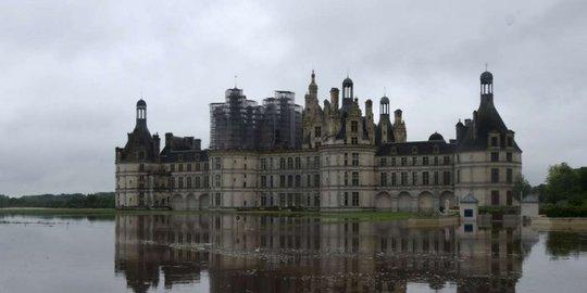 Le-chateau-de-chambord-a-lui-aussi-ete-victime-des_3853550_1000x500-1479555518