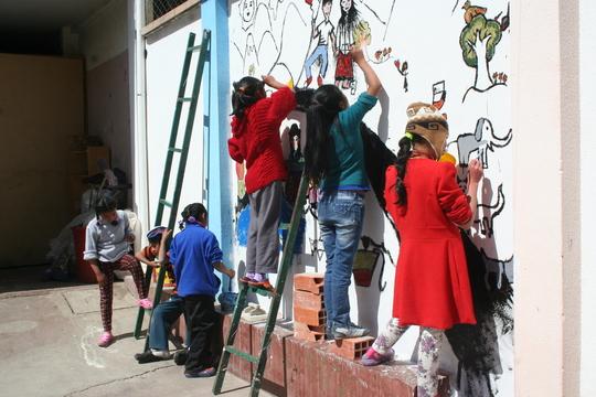 Pintando_un_mural-1485407337