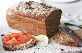 Smoked_salmon_and_brown_bread-1485799933