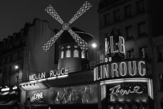Moulin-rouge-blog-noir-et-blanc-1488200112
