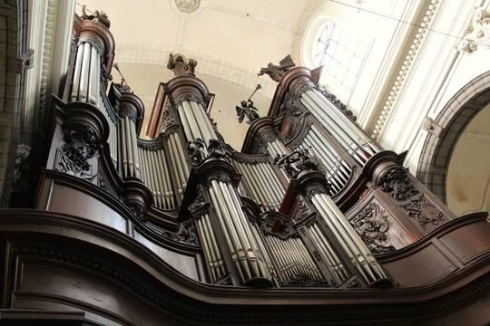 Coll_giale_saint-pierre_de_douai_orgues-1489486242