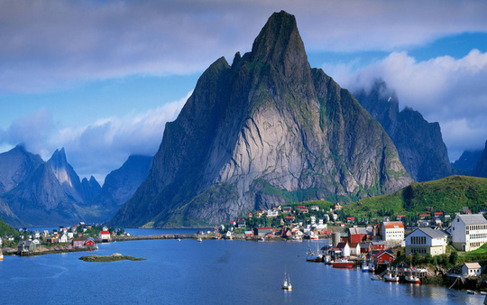Reine-lofoten-islands-norway-1490216782