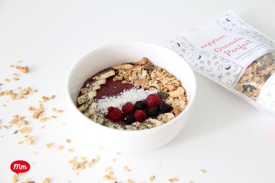 Granola-parfait-myyaam-smoothie-bowl_9933-mm-1490693573