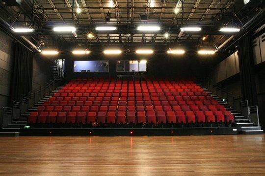 Theatre_haarlem-1493302877