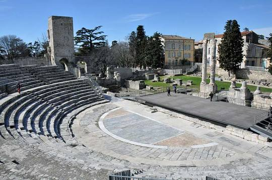 Arles-theatre0027b-1493559205