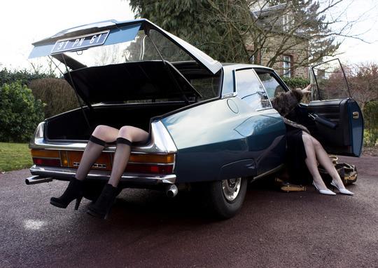 Jambes_voiture-1494357686