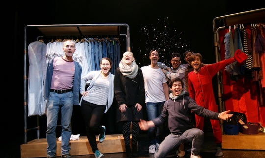 Edgar_paillettes_la_manivelle_theatre-1497093247