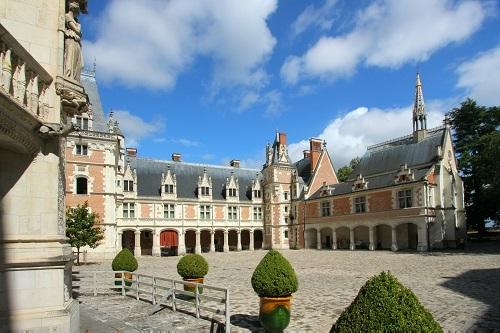 Chateau-royal-de-blois-aile-louis-xii-c-d-lepissier_1494404711-1497601087