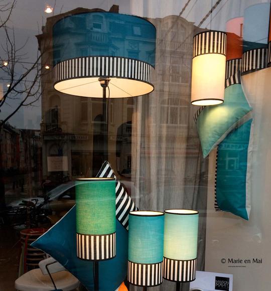 Marieenmai-_en_vitrine_-bleu_larg_540-1497917427