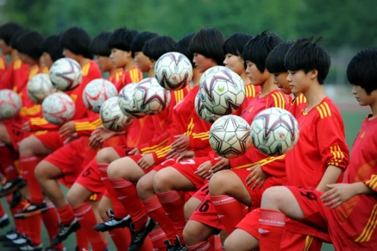 Chine_-_girls_soccer-1498998039