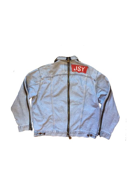 O_jacket_dos_jsy_copie-1502805811