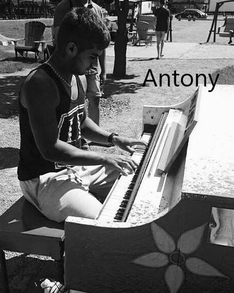 Antony-1504169823