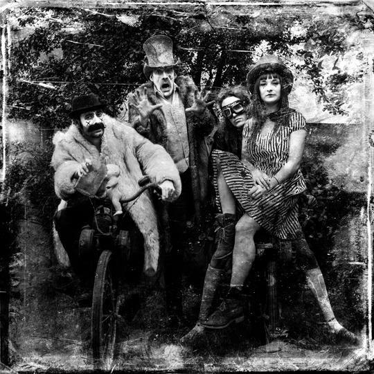 Freaks-45-1506601562