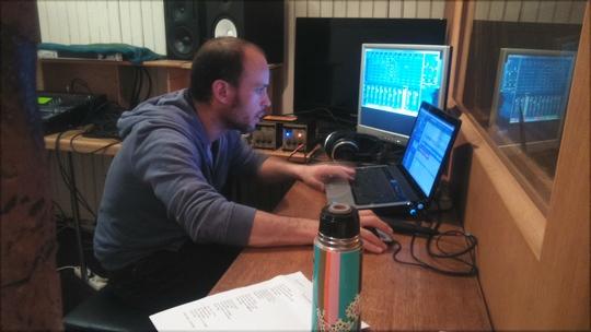 Julien_au_studio-1509034776