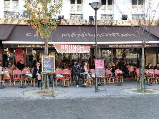 Sur-la-place-de-menilmontant-1511122038
