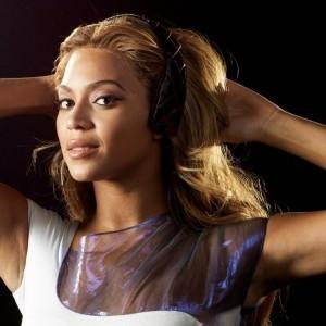 Beyonce-headphones-1511721017
