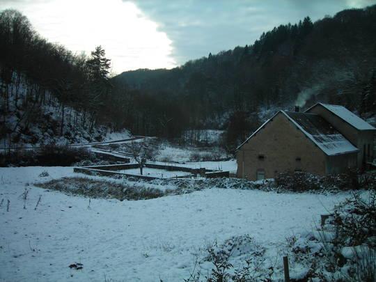 2017-12-03_ruche_sous_la_neige___3_-1513873642