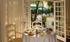 restaurant-1454785784.jpg